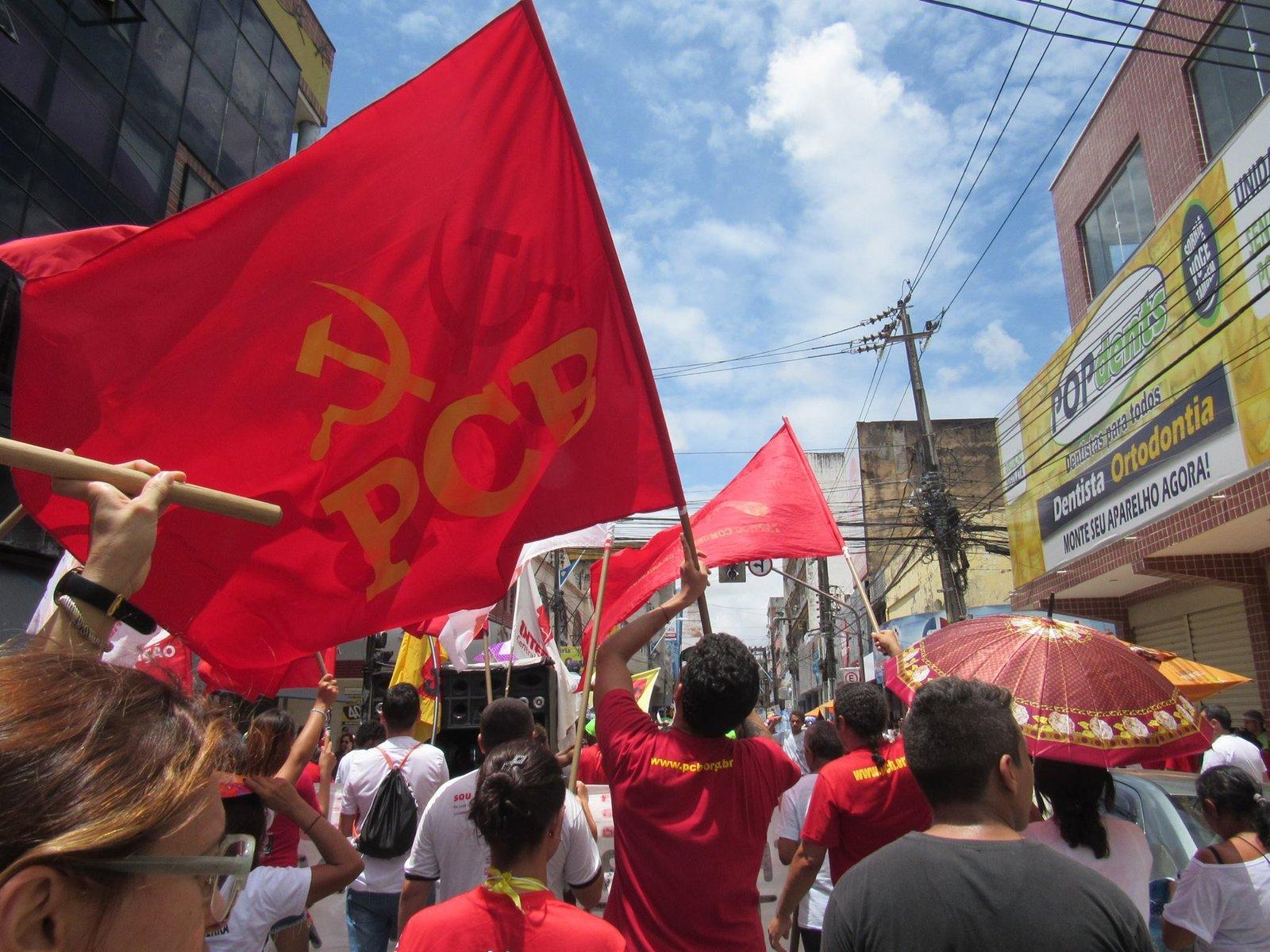 Marxismo-Leninismo: Identidade ou Práxis?